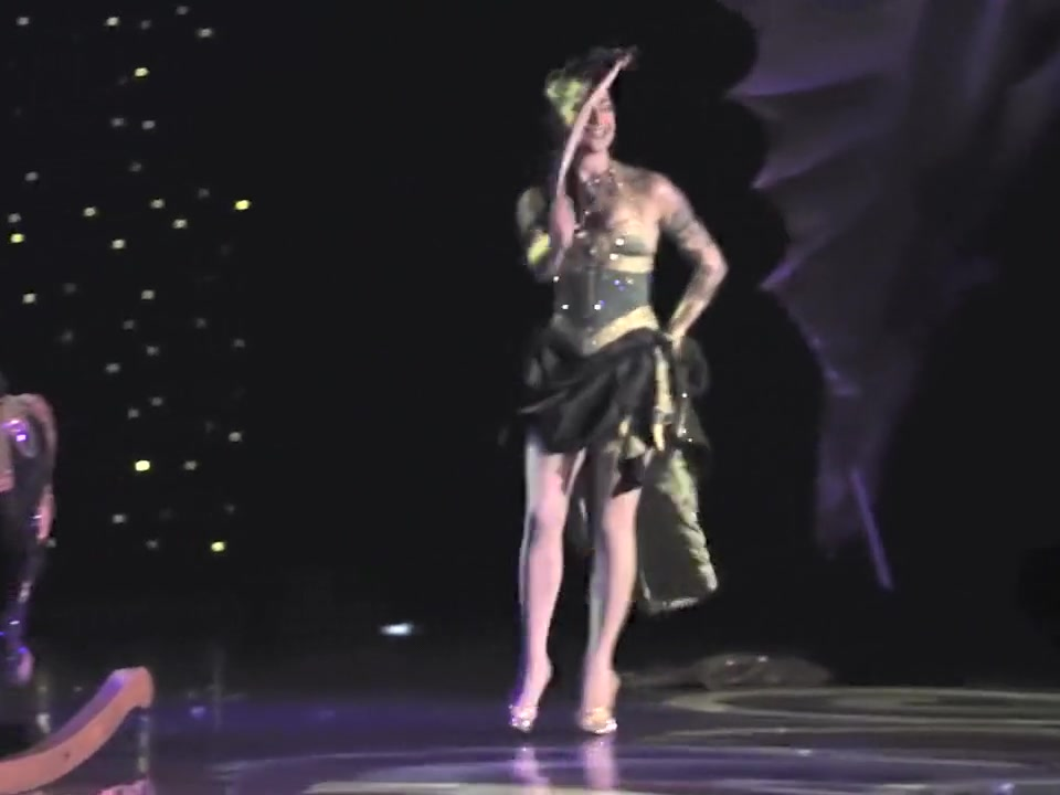 Burlesque Strip SHOW 96 Charlotte Treuse