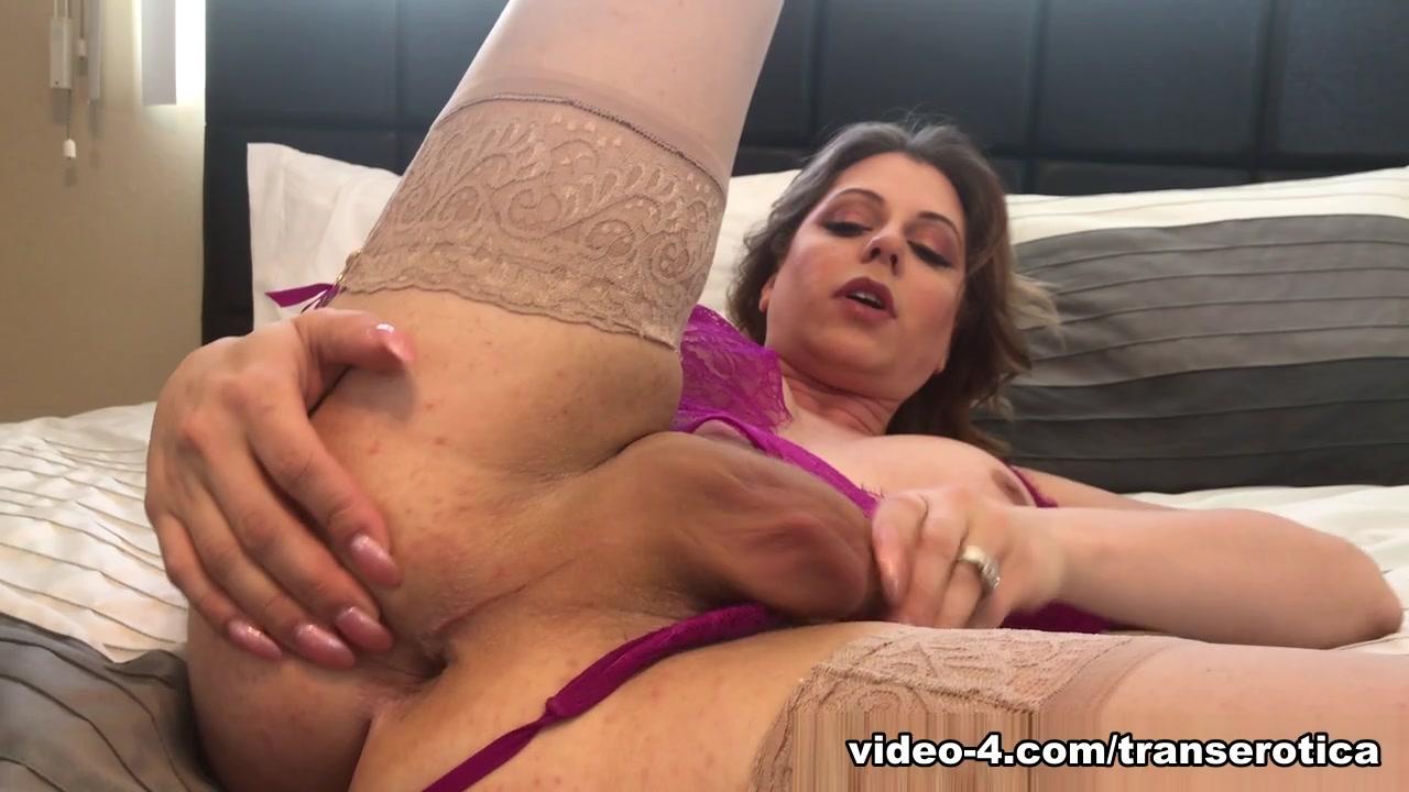 Tyra Scott Stroking In Pink - TransErotica