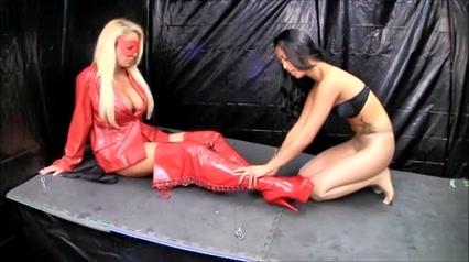 mistress use lesbian slave young enormous pregnant tits