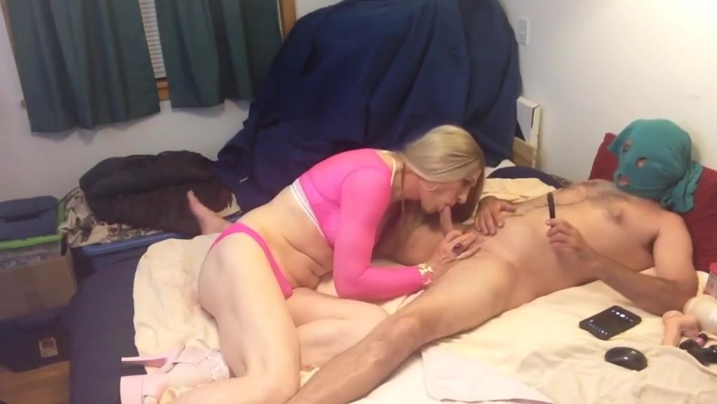 CD MARTHA FREIND STOPS IN FOR SOME FUN Sex sleeping girl