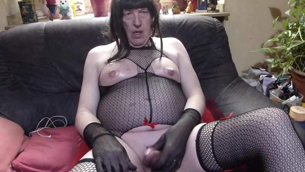 Cd in Fishnet make handjob and cum out free for all cum fountain