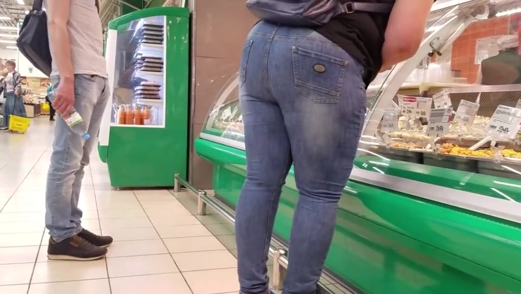 Woman with large ass want some fruits and salads he she sex video