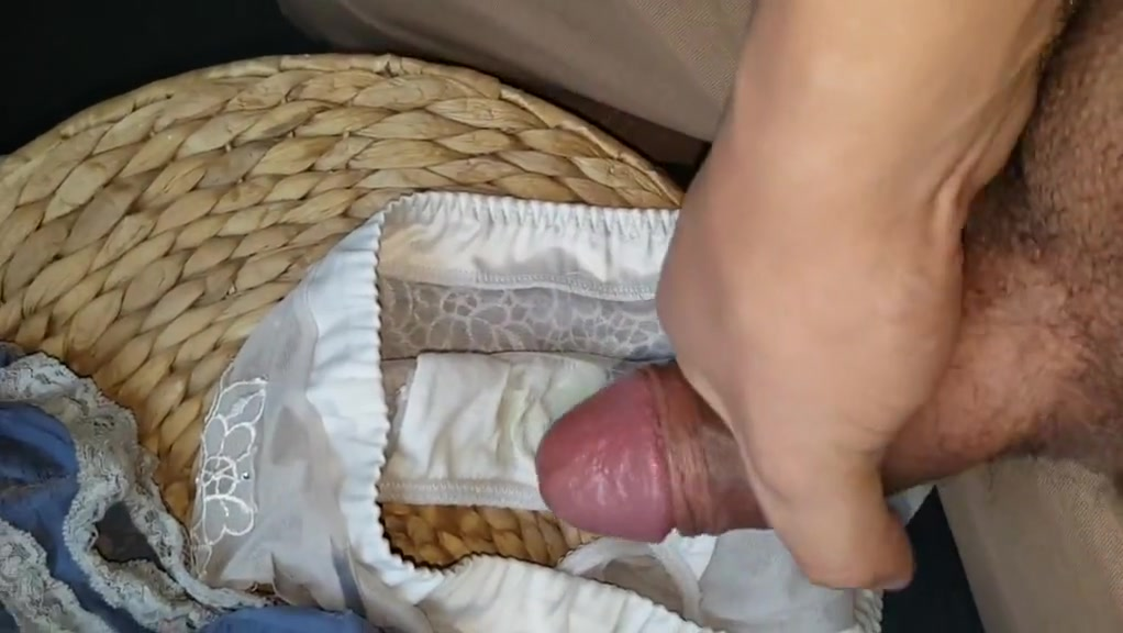 Cum in housemate Jess s used panties having sex with a stripper