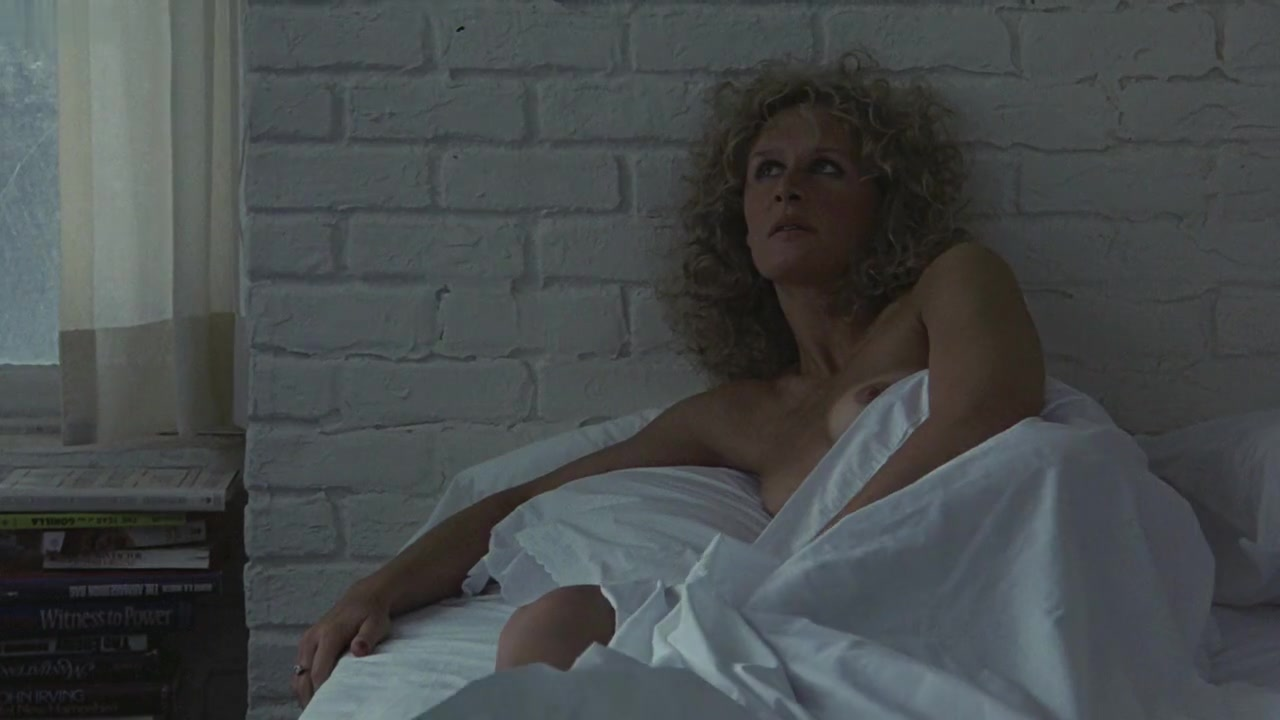 Glenn Close in Fatal Attraction (1987) Snapchat gay ass