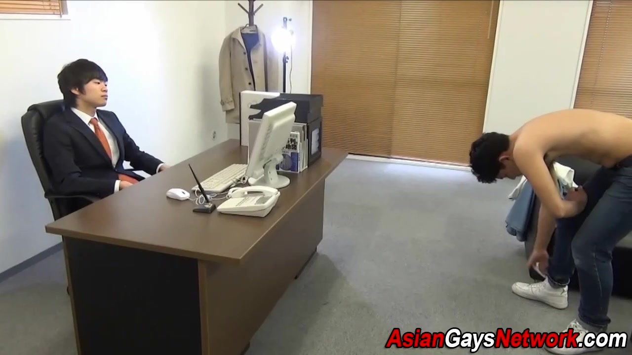 Japanese guy dick sucked Guyanese girl taking cock