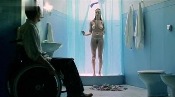 Mariana Loureiro in Carmo, Hit The Road (2008)