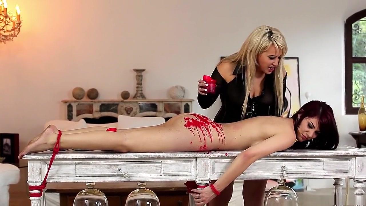 Horny pornstars Roxy Mendez and Roxette Rocks in crazy lingerie, spanking adult scene Krydstogt norge tilbud