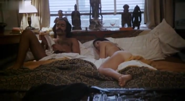 Polly Niles,Sheila Frazier in Super Fly (1972) Wives naked ass from behind