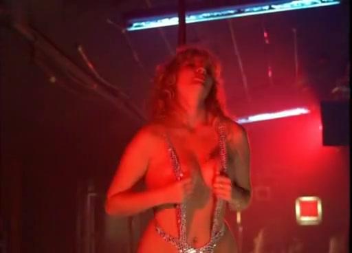 Bernadette Penotti,Deborah Kara Unger in No Way Home (1996) Nude mother photos