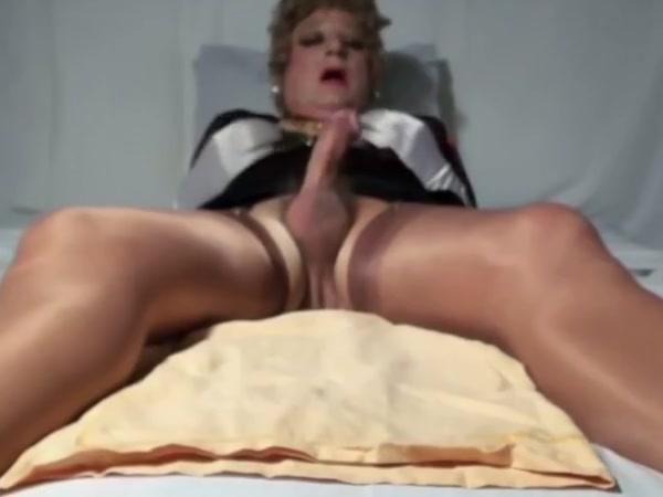 Sexyputa ready to cum hard