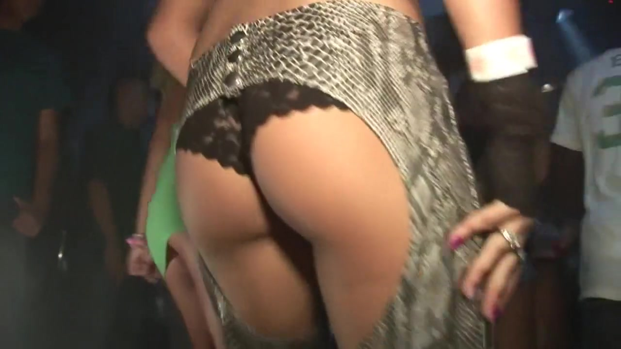 Fabulous pornstar in hottest softcore, voyeur adult clip Sexy hottie chick Maia Davis wants it black