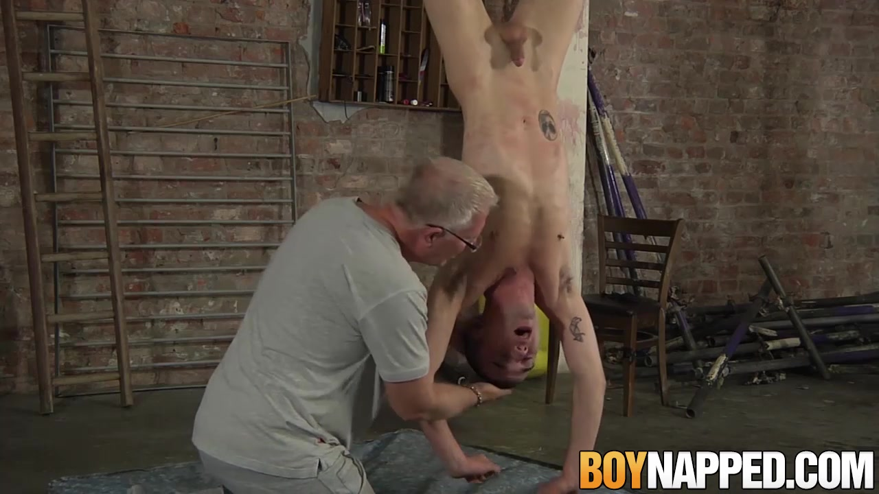 Sean Taylor Michael Wyatt in Sean Taylor has kinky fuck session with Michael Wyatt - BoyNapped Sex with horny neighbour