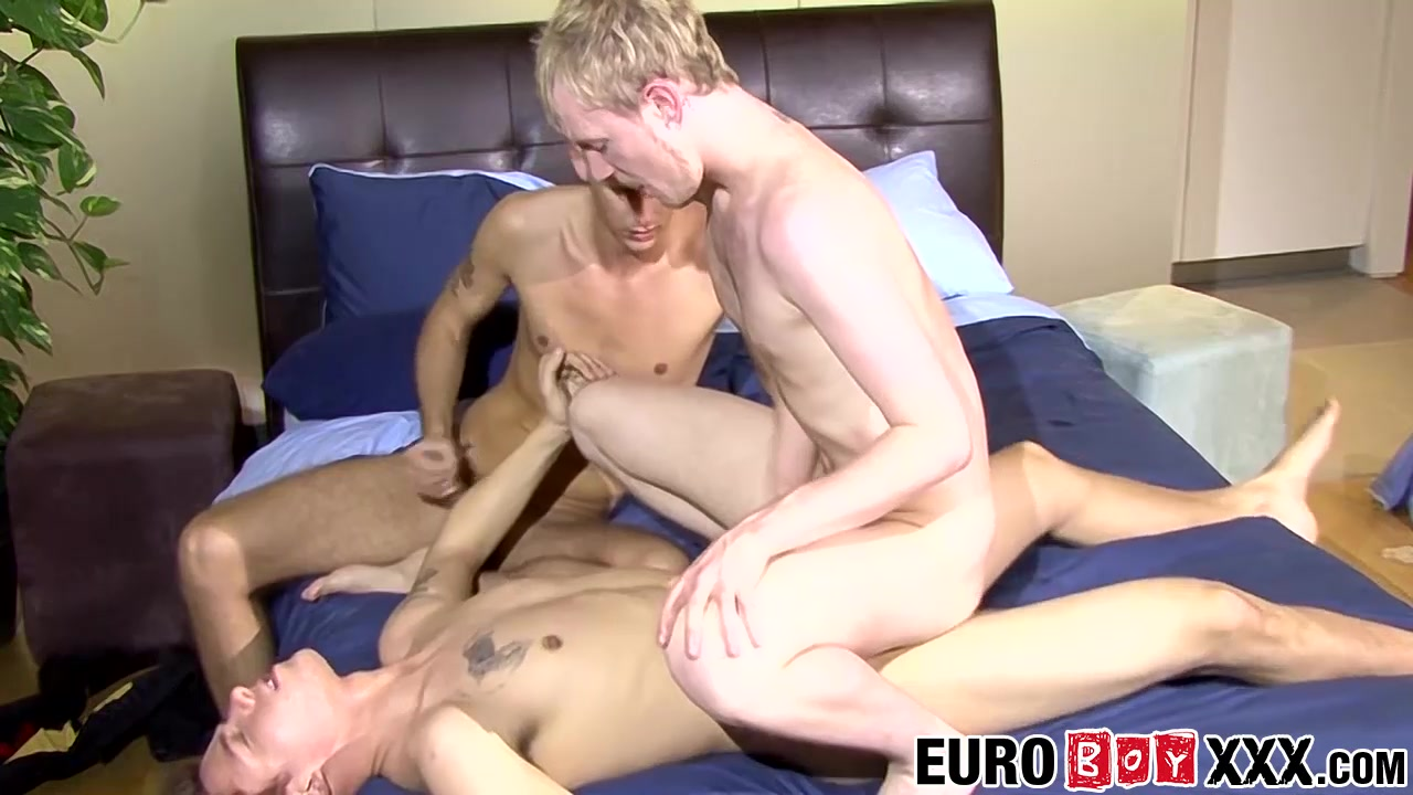 Jerry Robbie Theo in Jerry has wild threesome with his gay lovers Robbie and Theo - EuroBoyXXX bart and lisa porn pics