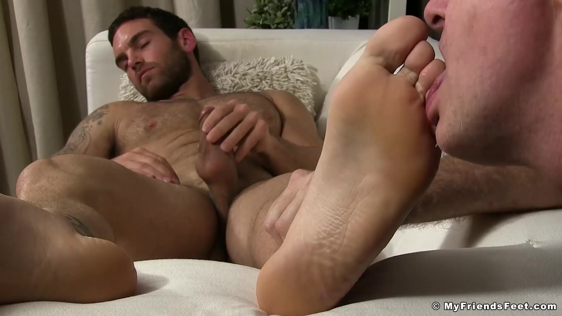 Chase Lachance in Muscle dude Chase Lachance gets feet licked and worshiped - MyFriendsFeet When to stop dating a christian guy