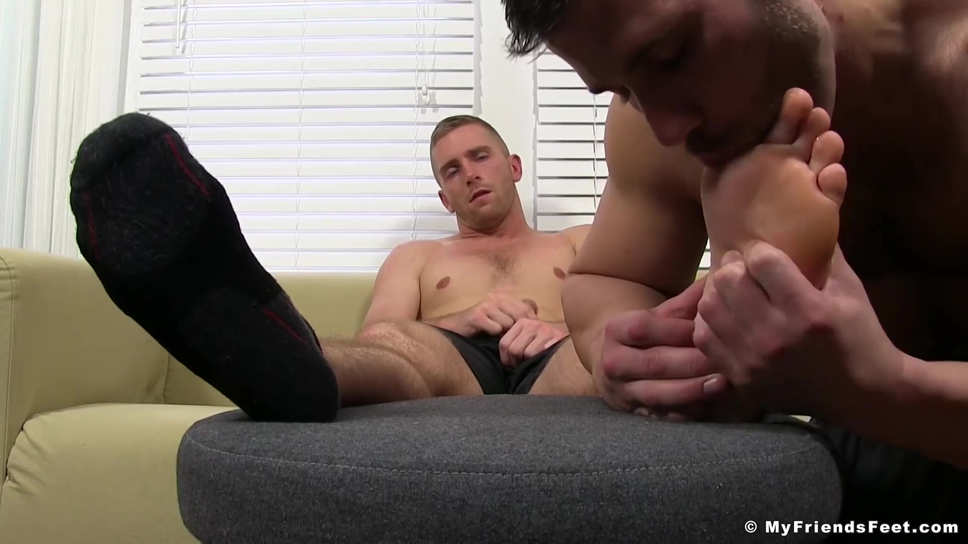 Scott Riley Cole Money in Muscular dudes Scott and Cole enjoy nice feet fetish time - MyFriendsFeet Amateur uasturbation
