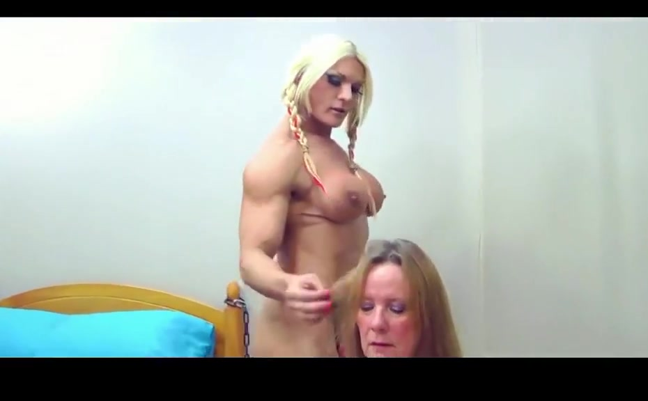 Mature bbw gets strapon Naked girl in homeland
