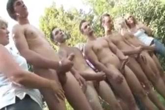 Jerking 2 Nude pic app