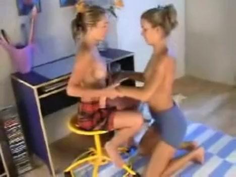 Lesbo twins Hot sexy babes big tits