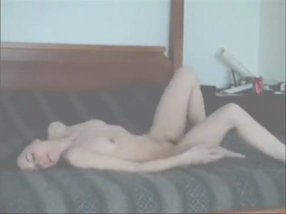 Pale chick masturbates 2 I am live sex chat