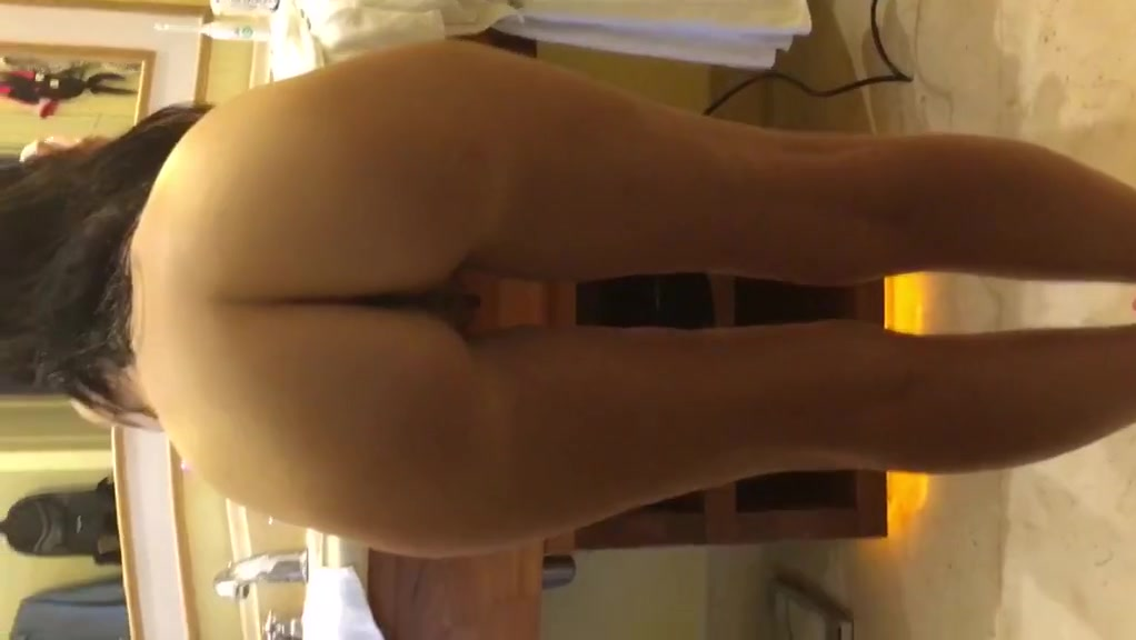 Phat ass blowing hair dry mxim girl nude videos