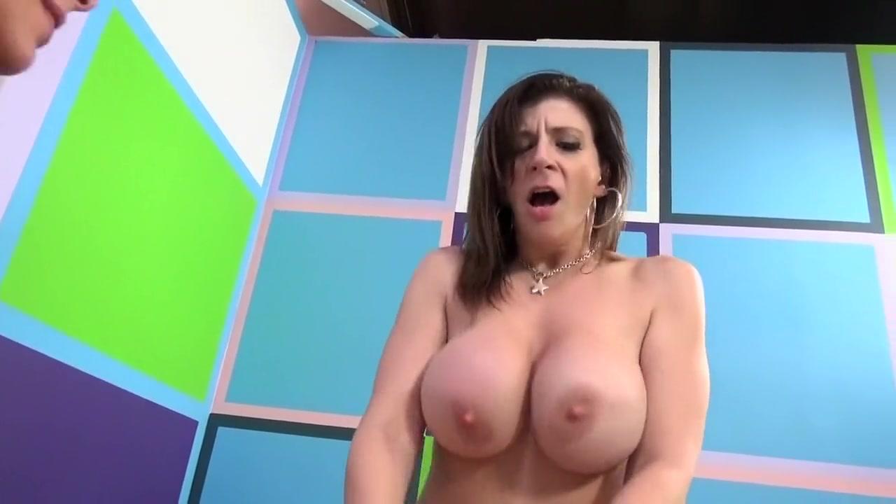 Best pornstars Sara Jay and Cherry Morgan in horny threesomes, cunnilingus sex movie