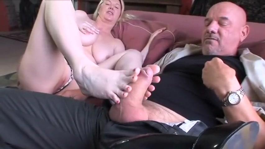 Horny pornstar Venice Knight in amazing blonde, cunnilingus sex video