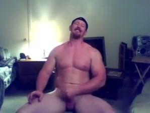Ginger muscle stud jerks off cums ( webcam ) - exipor Daisys futurotic vagina
