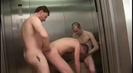 Threeway in the Elevator -nial Hawaiian babe dildo