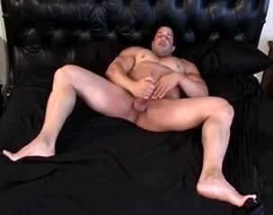Body builder solo wank Guy receives wanton anal riding from girl