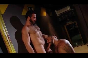 Camarero folla a ejecutivo en su bar Bbw eek romance for tonight in Buon Me Thuot