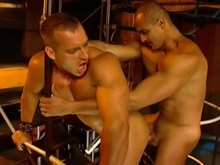 Besoin de cul sur le champ Boy fucks hot mature