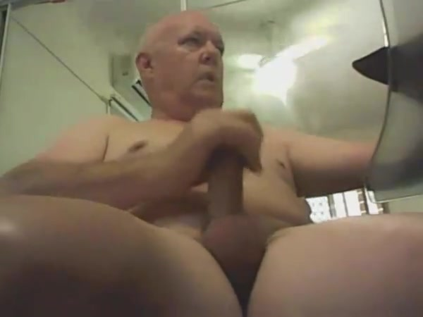 Sub smooth daddy wanking his nice cock Latex in the sun