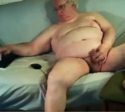 Grandpa stroke on webcam 2 Online dating guy asks to chat