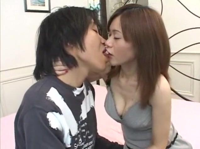Fabulous Japanese slut Maki Miyashita, Mayumi Kusunoki in Exotic Big Tits, Group Sex JAV clip
