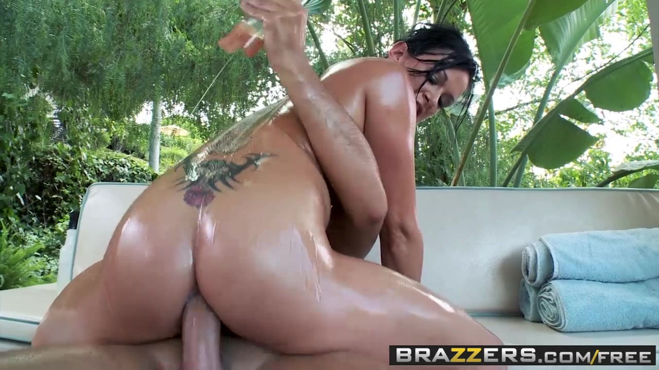 Brazzers - Big Wet Butts - Tory Lane and Keiran Lee - She Knows What She Wants Teen fucked hard school teacher