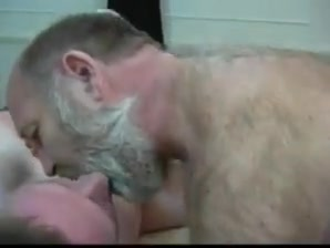 Daddy bear and boy Pissing free porn movies
