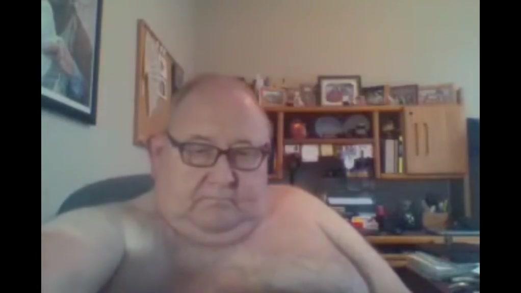 Grandpa stroke on webcam 7 Video Di Paksa