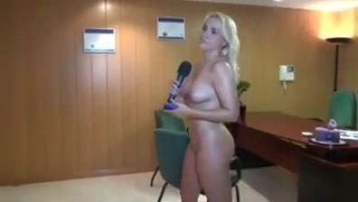 Jenny 1 Nude gap shaved pussy