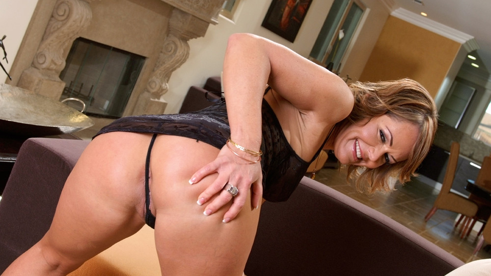 kelly-from-moms-anal-adventures