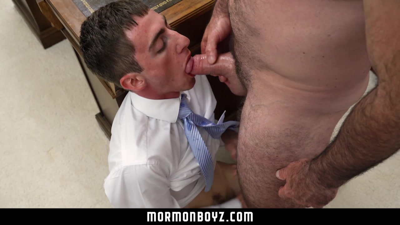 MormonBoyz - Muscle bear daddy cums in timid tiny twinks mouth Monster cock fuck clips