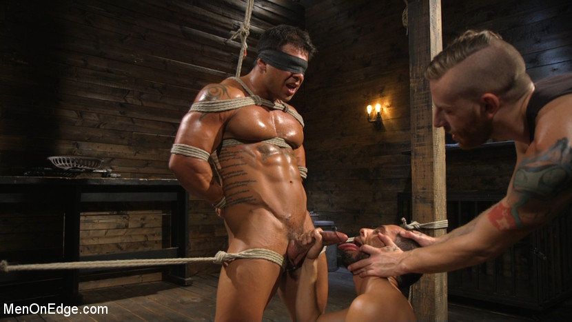 Draven Navarro in Muscle Stud Draven Navarro Gets His Big Cock Sucked And Edged - MenOnEdge Sex niche guide what is this spyware