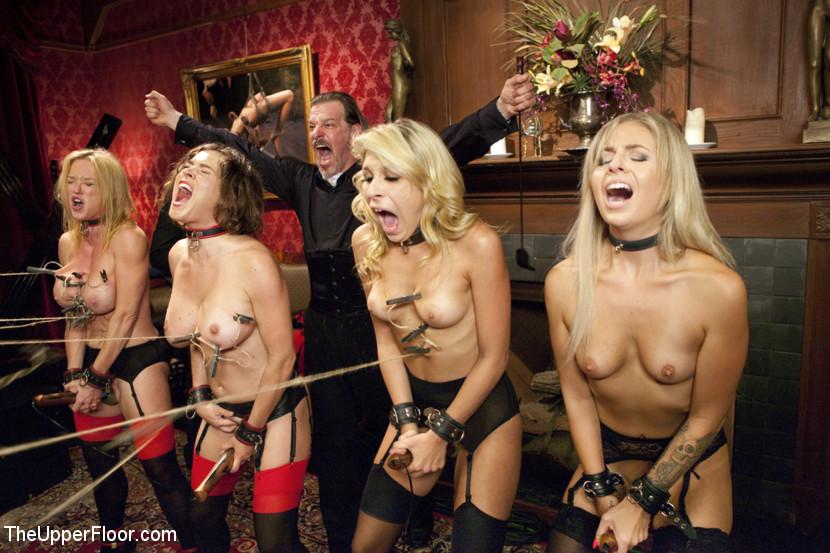 Рабыни на бдсм вечеринке — photo 2