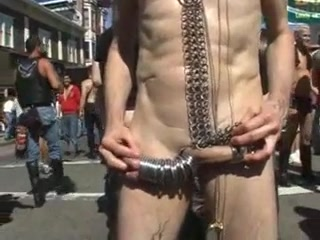 Amateur - Resumen Folsom Street Feria del Fetiche Three women fuck with a guy