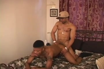 Ebony hunks slamming each other on the bed Amateur campus sex