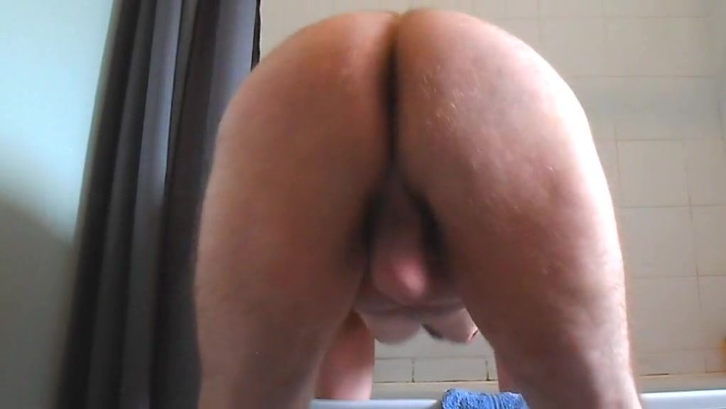 Mantwerk fat boy with small cock and flabby ass twerks Love compatibility between leo and pisces
