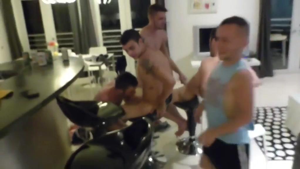 Ven yveras 18 Naked girls cle elum in Karlovyvary