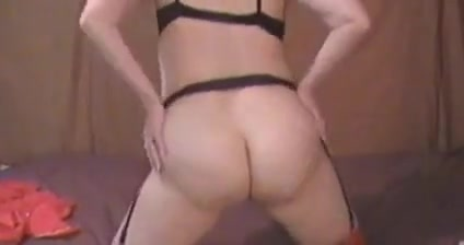 Amateur play pussy video milf with big round ass
