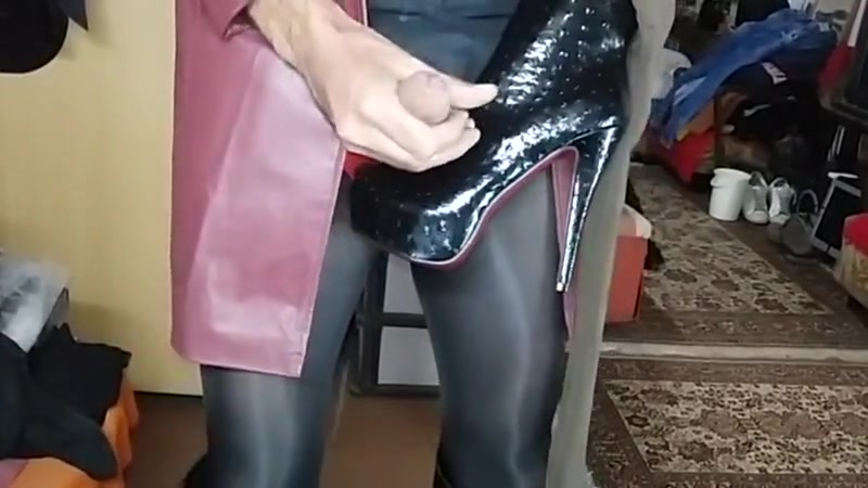 Cum on high heels mix 823 Indian old woman fucking her mad