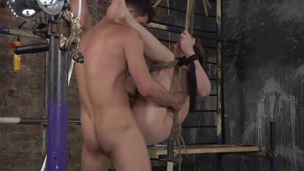 Veny vera 12 hot blonde gets naked