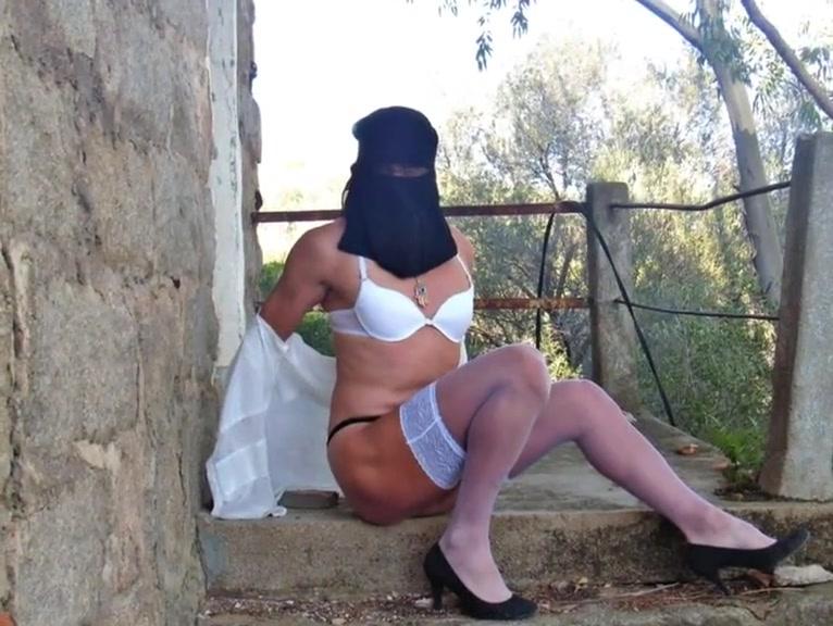 Sexy arabian women Darnell van rensalier wife sexual dysfunction